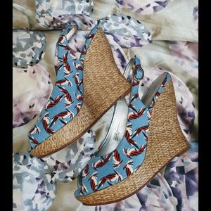 NWT AUDREY BROOKE PRINTED WEDGE SANDALS SIZE 7